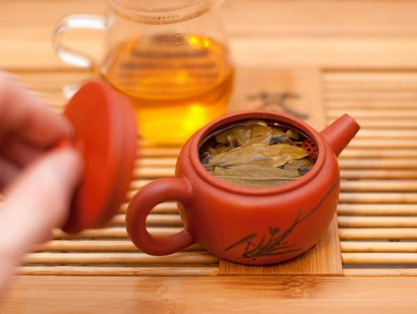 """Как заваривать шен (зеленый) чай пуэр Нянь Цянь """"Предрассветный феникс"""""""