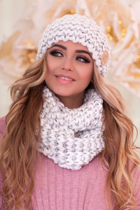 Зимний женский комплект «Космея» (шапка и шарф-снуд) Белый+Серебряный