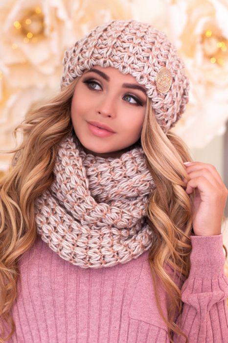 Зимний женский комплект «Космея» (шапка и шарф-снуд) Светлый кофе+Сомон