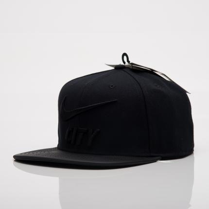 Бейсболка Nike PRO CAP PRIDE (оригинал)