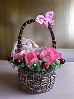 Детский Букет из конфет в корзинке с мягкой игрушкой