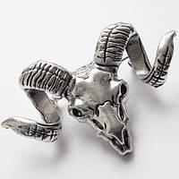 "Брошь ""Бафомет"" (козлиная голова)  серебристая, размер 33х53 мм. Цинковый сплав."
