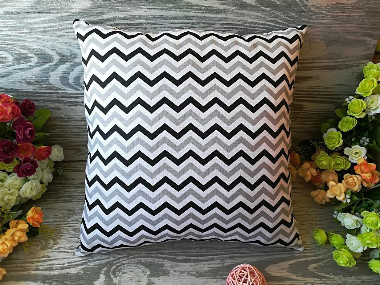 Подушка серо-черный зигзаг, 35 см * 35 см