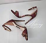 Женские красные босоножки из питона на шпильке, фото 3