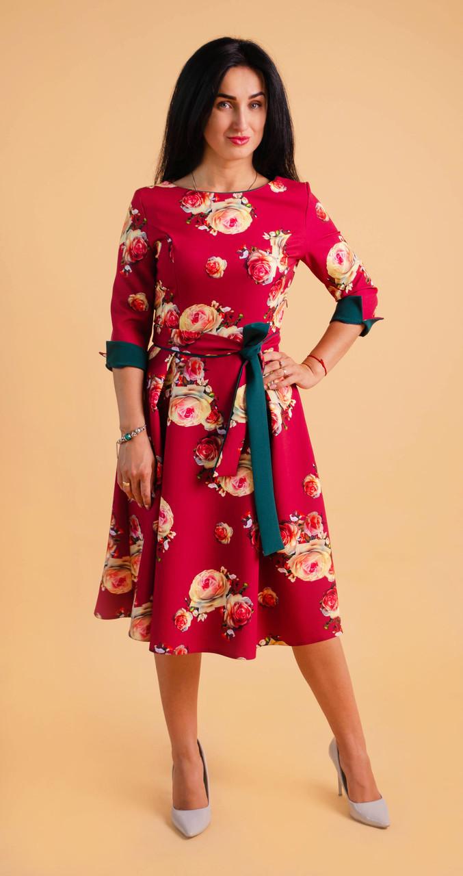 Модне плаття з квітковим малюнком бордове
