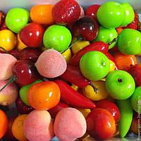 Искусственные овощи, фрукты и ягоды