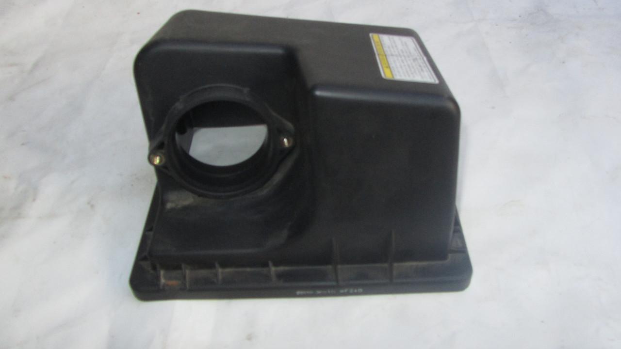 Корпус воздушного фильтра Hyundai Sonata NF 281113K010 281123K010