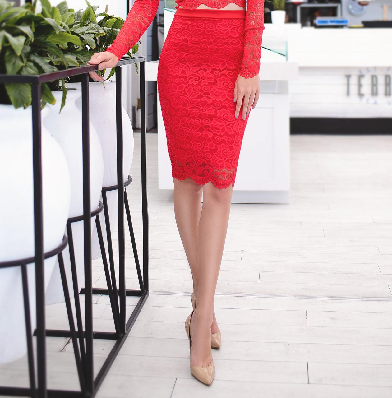 Красивая юбка из набивного гипюра с фестоном, красная