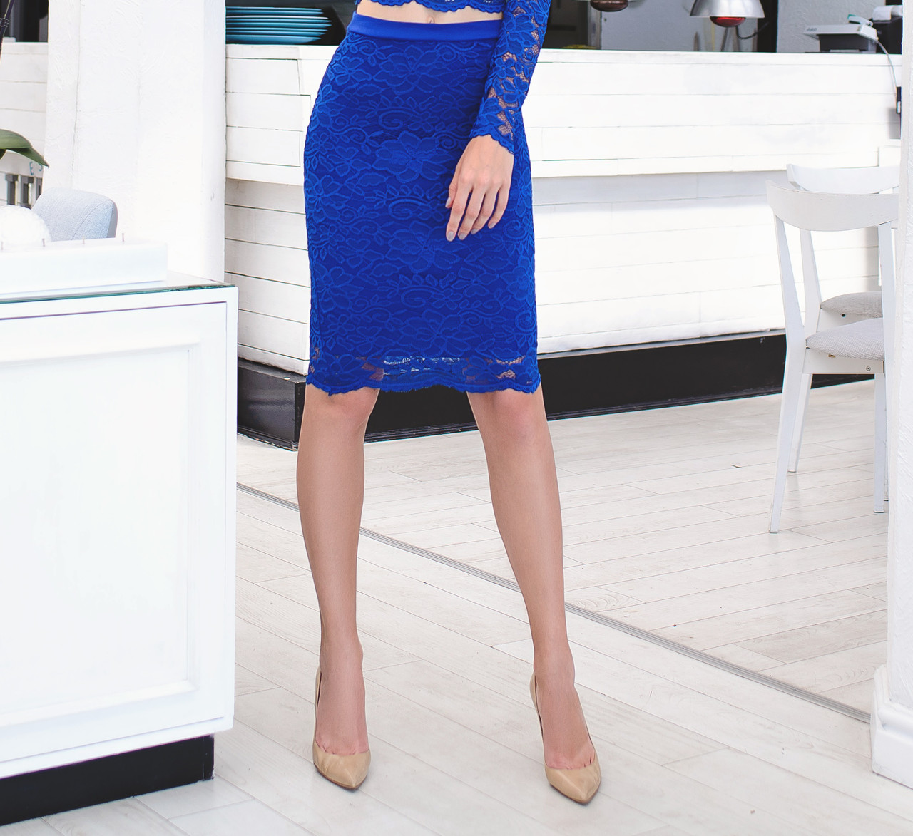 Красивая юбка из набивного гипюра с фестоном, синяя