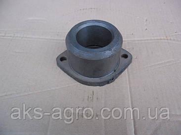 Втулка МТЗ-80 цапфи чавунна нижня (велика) 70-3001102А