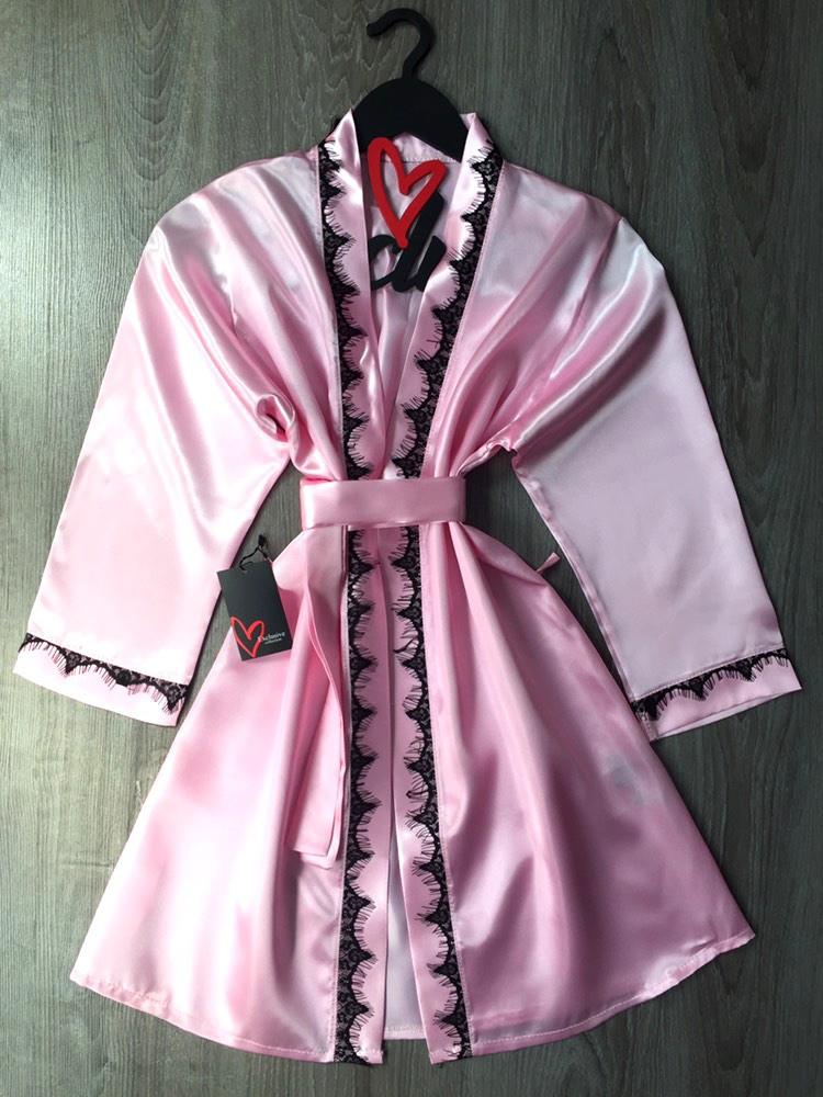 Ніжний халат жіночий з атласу