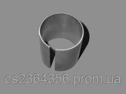 Втулка ЮМЗ  36-3001079  цапфи (кронштейна)