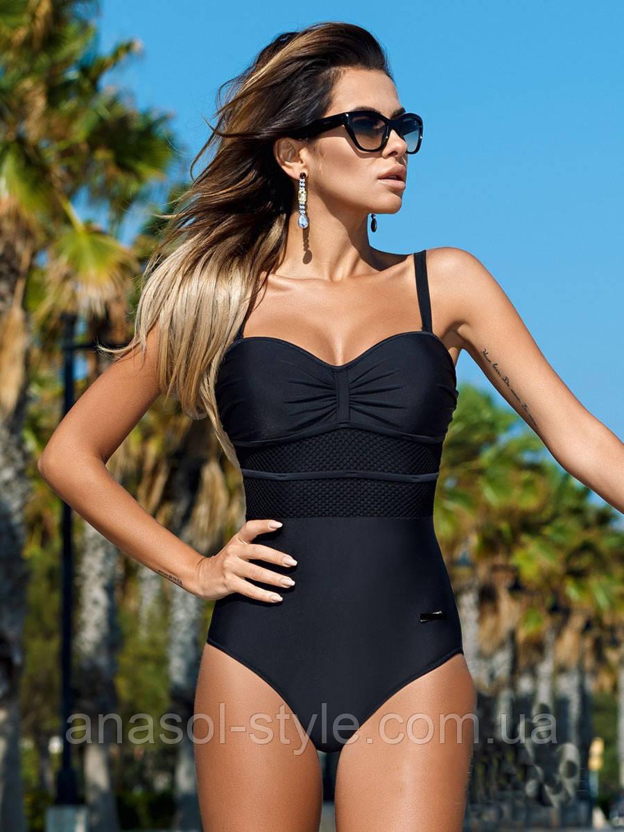Суцільний жіночий купальник чорний колір