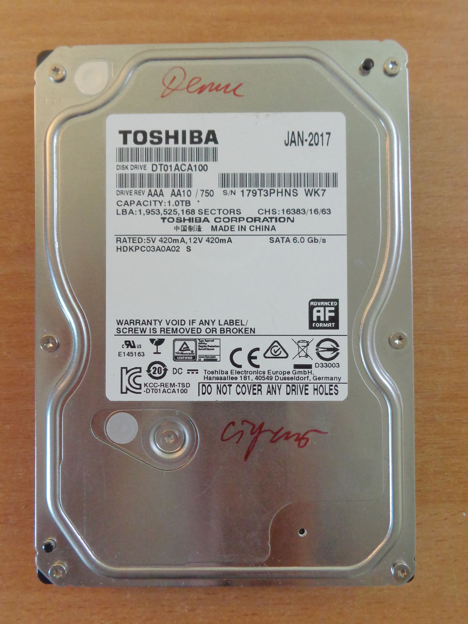 Жесткий диск HDD 3,5 Toshiba 1 Tb SATA 3 стучит