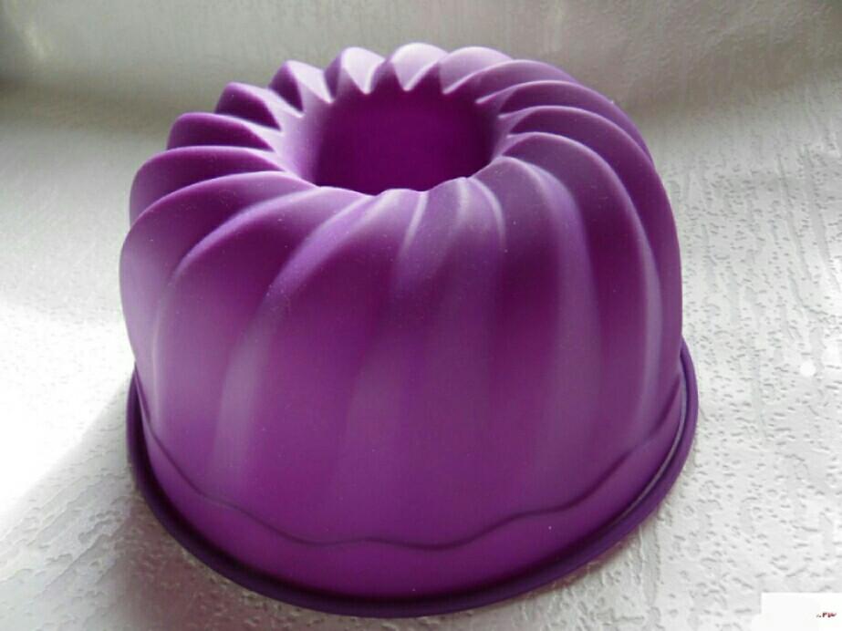 Форма для выпечки кексов со втулкой