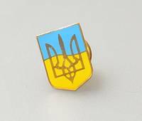 Значок герб Украины  на фоне флага, фото 1