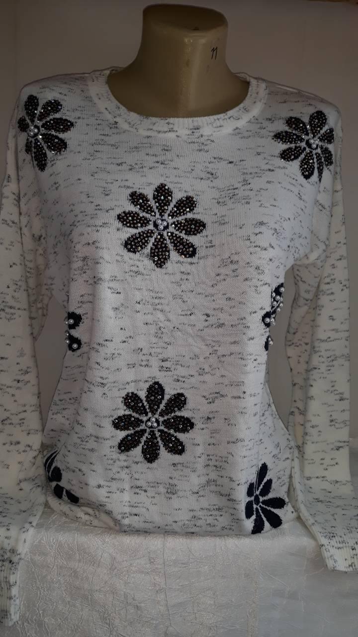 Стильная женская кофточка со стразами ромашкаТурция