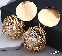 Серьги гвоздики золотой плетенный шар с жемчужинкой, фото 1