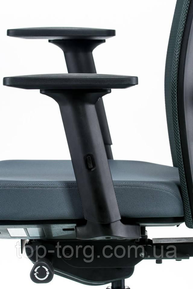 Кресло руководителя, офисное TUNE SLATEGREY/BLACK серый, черный E5494 Регулируемые подлокотники: 3-полосные регулируемые подлокотники имеют 7 уровней высоты, также могут двигаться вперед или назад и поворачиваться в 3 угловых положениях