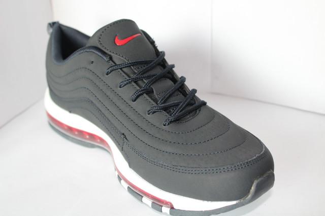 fa24308c Отличительными чертами есть подошва и полоски по бокам данной модели.И  то,что они являются модель прекрасной фирмы Nike.