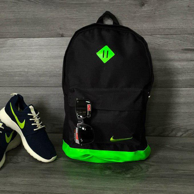 Рюкзак спортивный в стиле Nike черный с салатовым ромбиком