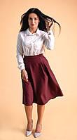 Светло-молочная женская рубашка в классическом стиле