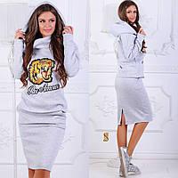 Женский теплый костюм-двойка юбка и свитшот с аппликацией и капюшоном, фото 1