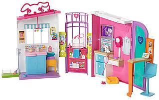 Ігровий набір Barbie - Ветеринарний центр Mattel FBR36
