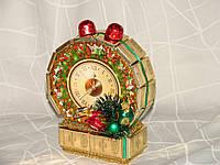 """Новогодние часы из конфет на подставке""""Золотой будильник"""""""