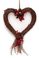 Новогоднее украшение Сердце лоза с рябиной 30см