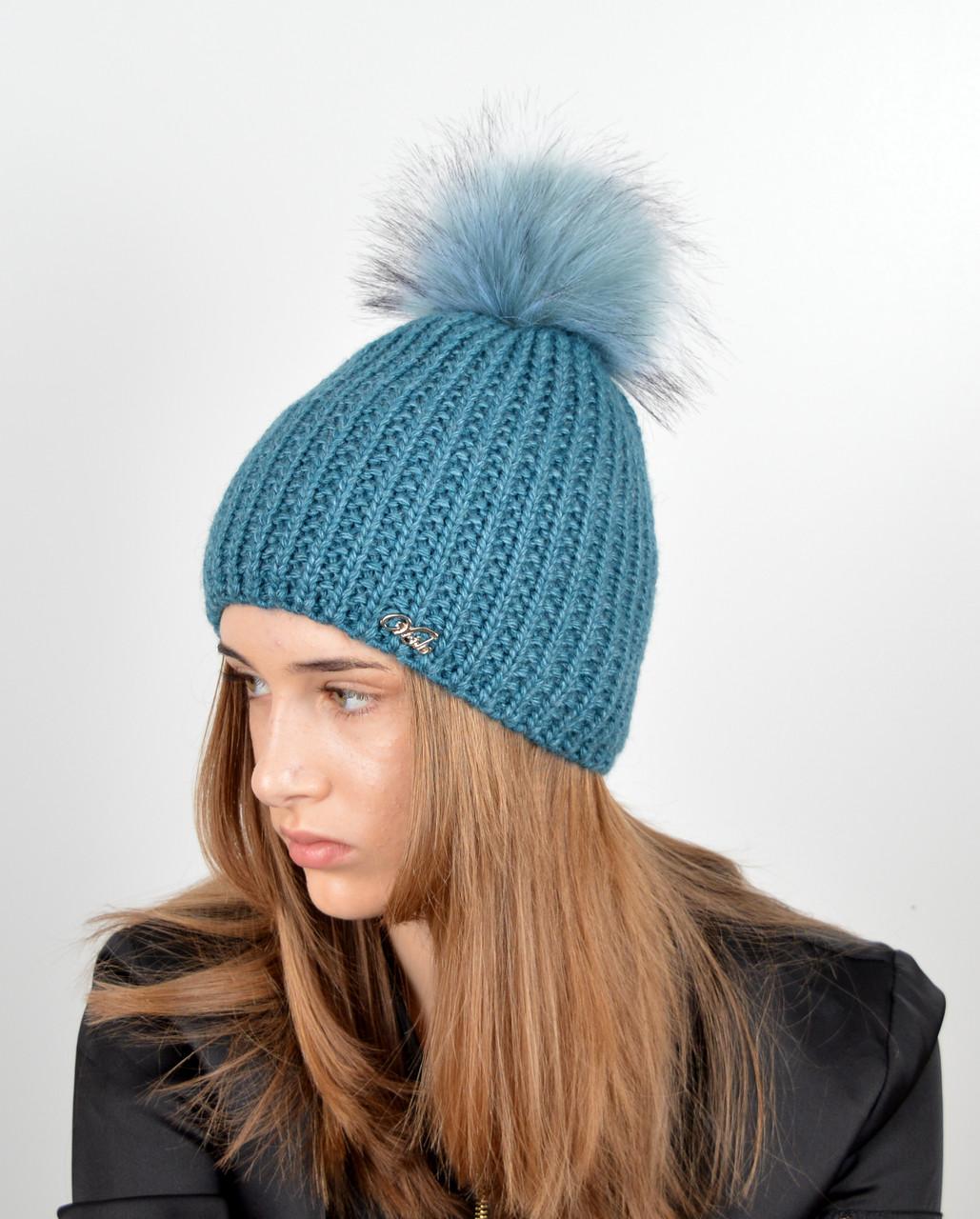 Женская шапка с помпоном 3338 изумруд