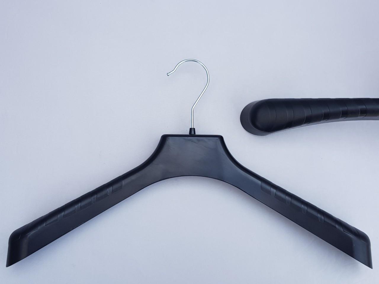 Плечики вешалки пластмассовые V-PL42 широкие черного цвета, 42 см