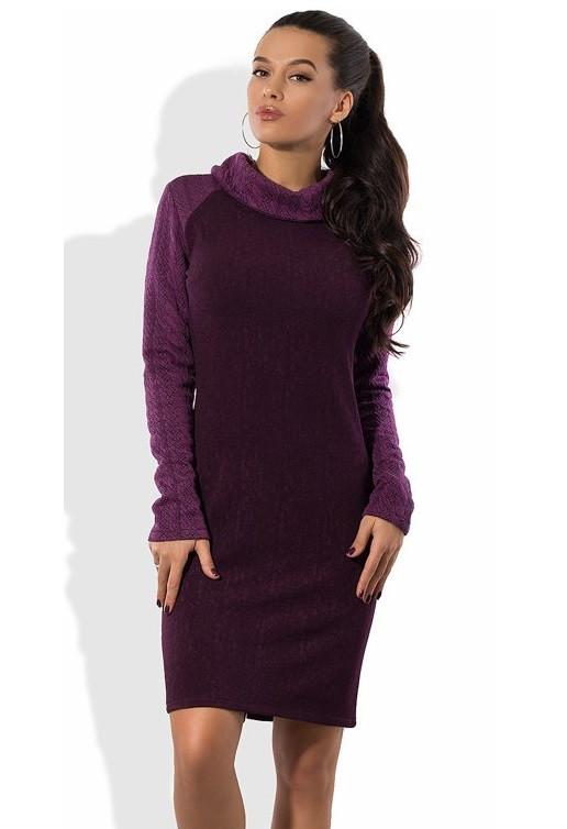 Фиолетовое платье с вязанными рукавами и воротником