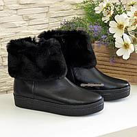 Ботинки черные зимние женские кожаные на утолщенной подошве, декорированы мехом, фото 1