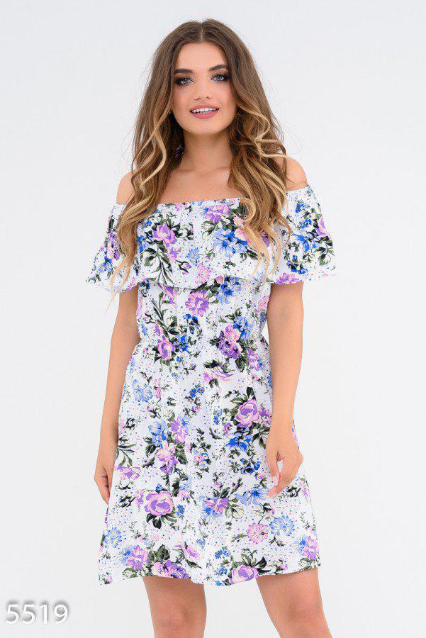 Приталенное платье с открытыми плечами 5519 Issa Plus S БелЫй