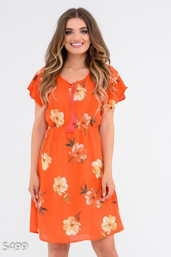 Приталенное платье в крупные цветы с короткими рукавами 5499 Issa Plus S Оранжевый