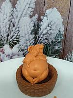 Яркое мыло свинка с поросенком в плетенке, ручная работа. Общий вес 220 г. Позитивный подарок к новому году