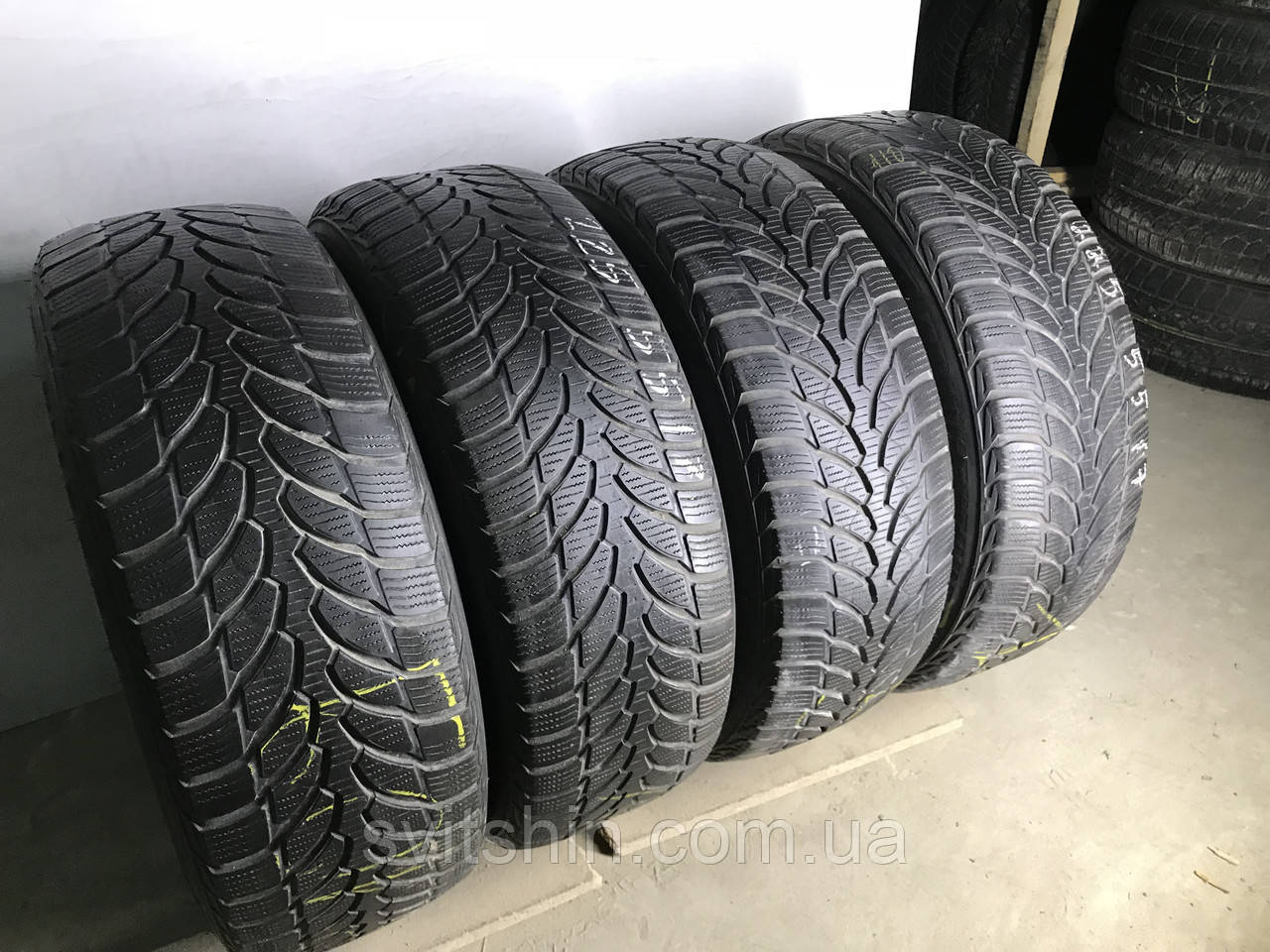 Шины бу зима 225/55R17 Bridgestone Blizzak LM-32 (RFT) 4,5-5,5мм