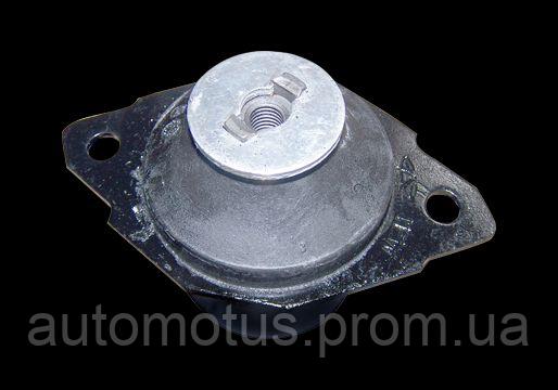 Опора  двигателя задняя L 1.6L