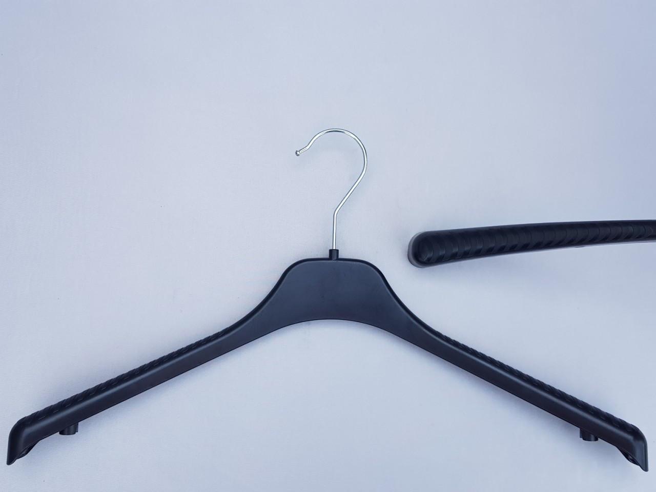 Длина 42 см. Плечики вешалки пластмассовые V-T42 черные