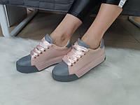 Женские кроссовки с натуральной кожи пудрового цвета с серыми вставками