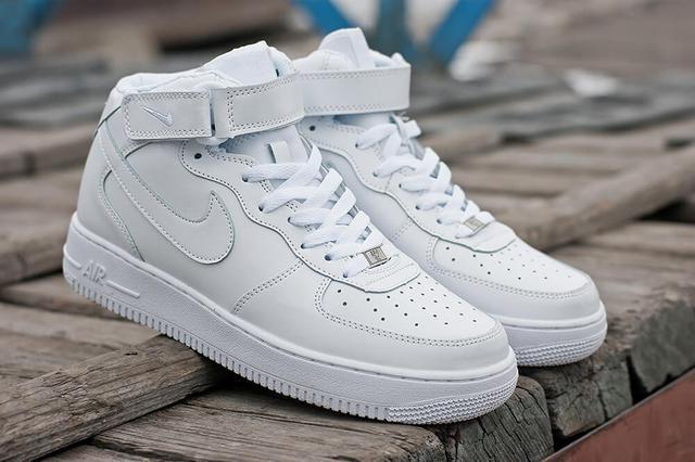Кожаные кроссовки Nike Air Force 1 High White Белые фото