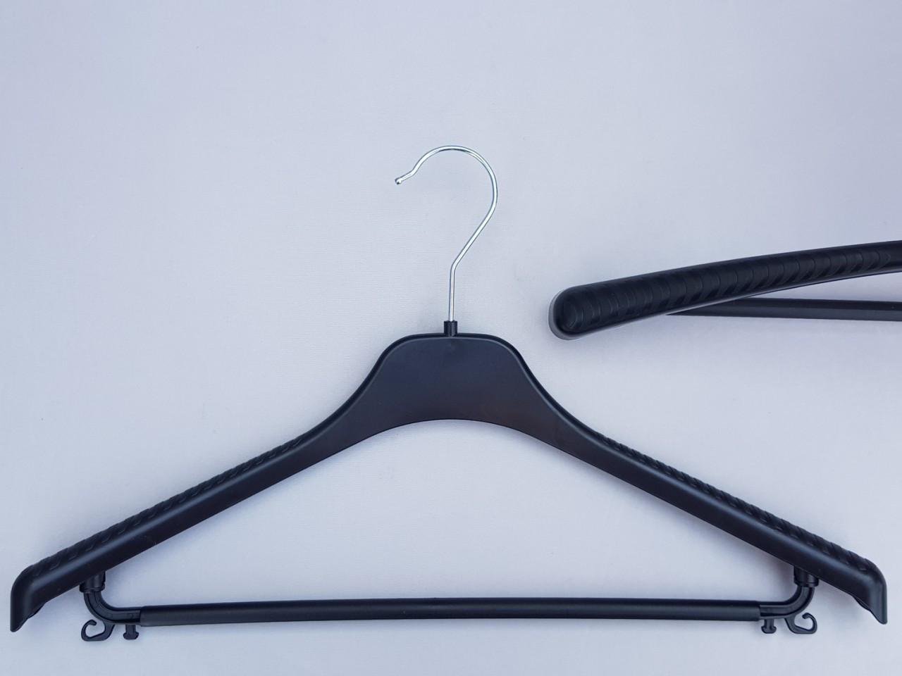 Плечики вешалки пластмассовые V-Tp42 черного цвета, 42 см