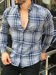 Стильная мужская рубашка в клетку светло-серая