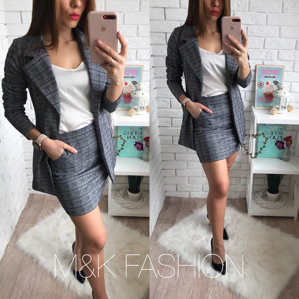 75d232b72ca Женский деловой костюм в клетку пиджак и брюки