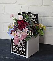 Композиция в деревянной шкатулке с розой цвета бургунди
