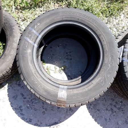 Бусовские шины б.у. / резина бу 205.65.r16с Sava Trenta Сава