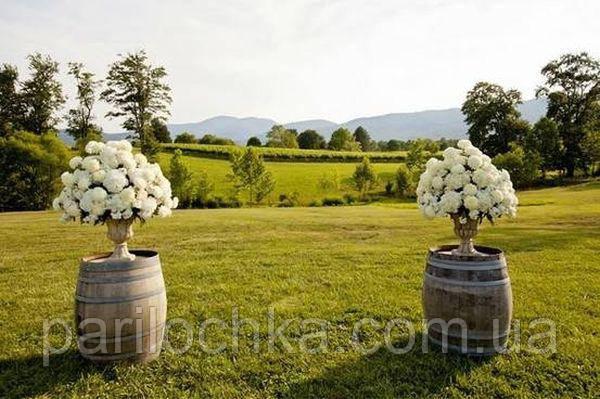Декоративные бочки для цветов