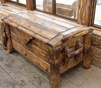 Деревянный большой ящик