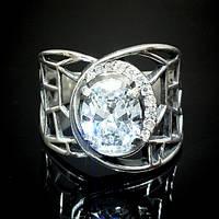 Широкое серебряное кольцо с белым камнем
